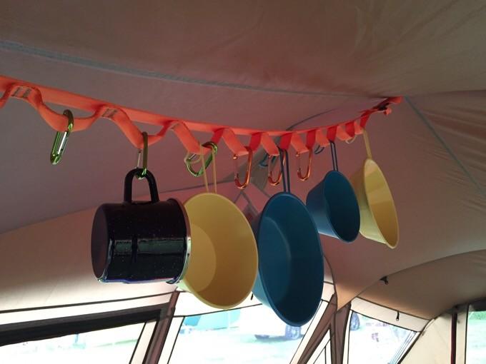 トルテュの天井に取り付けたハンギングチェーン
