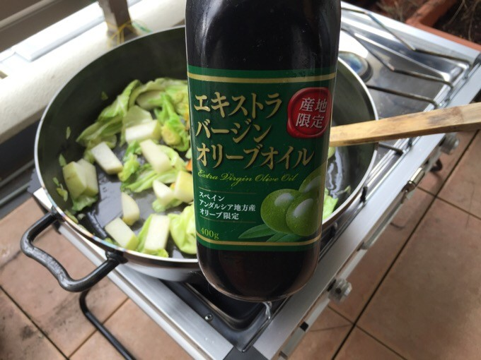 オリーブオイルとくず野菜