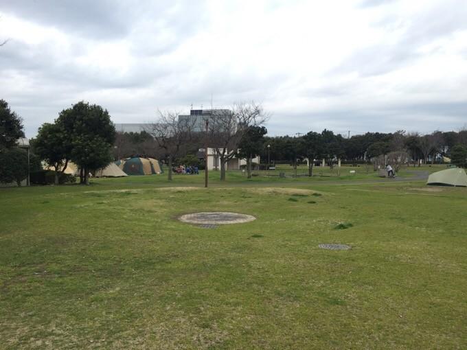 若洲公園キャンプ場のファイアーサークル