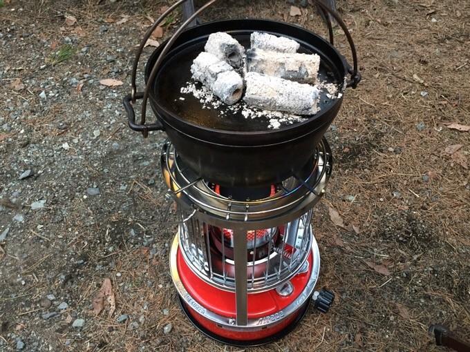 アルパカにダッチオーブンを乗せる