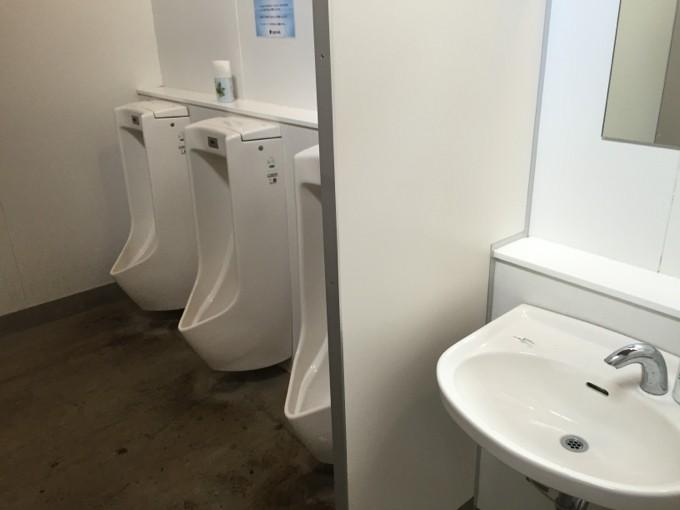 スノーピーク本社キャンプ場のトイレ