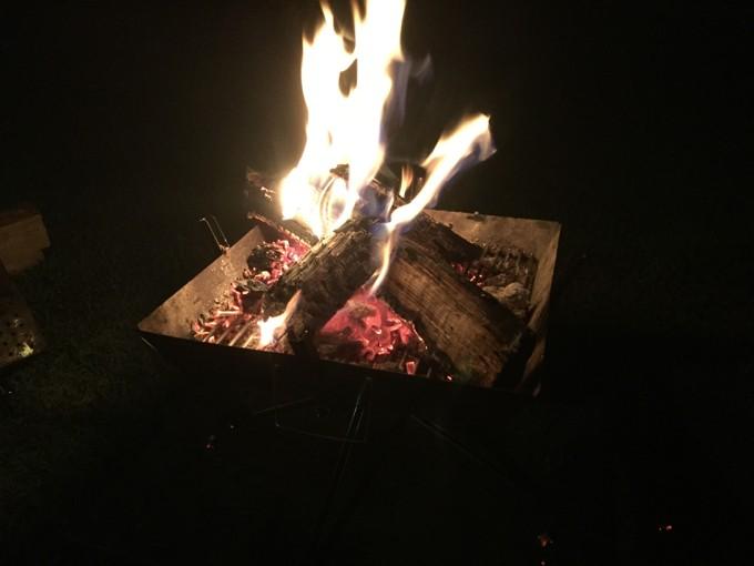 グリンヴィラで一人寂しく焚き火