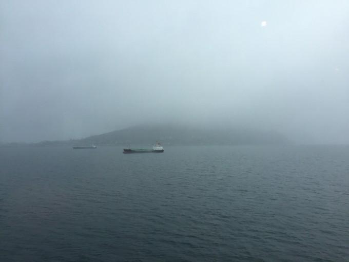函館山が雲隠れ