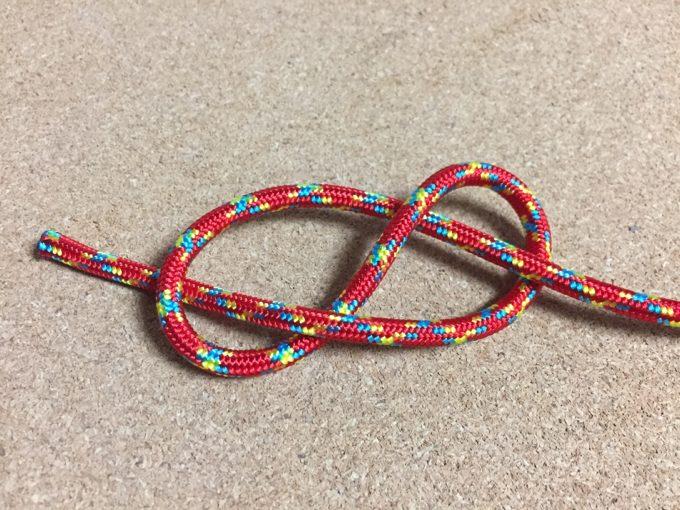 8の字結びの結び方
