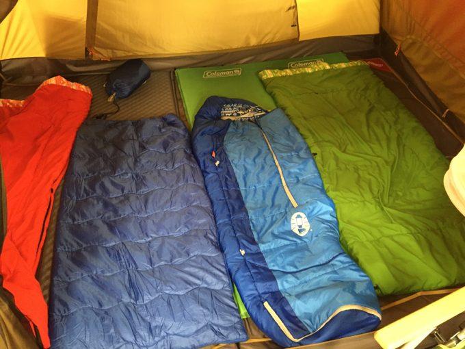 ドーム型テント内の様子