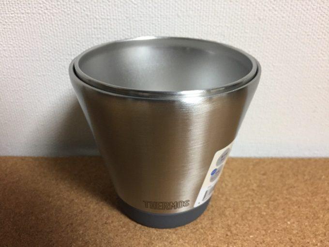 真空断熱カップは飲み口が広く洗いやすい形状
