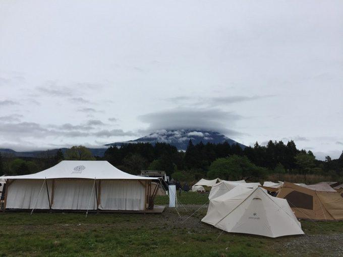 ふもとっぱらキャンプ場から富士山がなかなか見えず