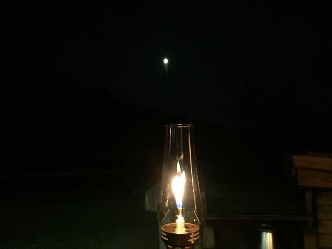 ルミエールランタンと満月