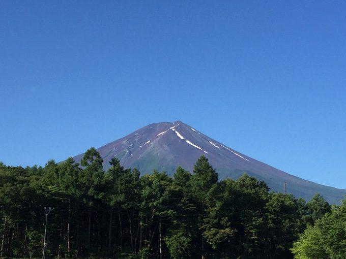 山梨県側から見る富士山