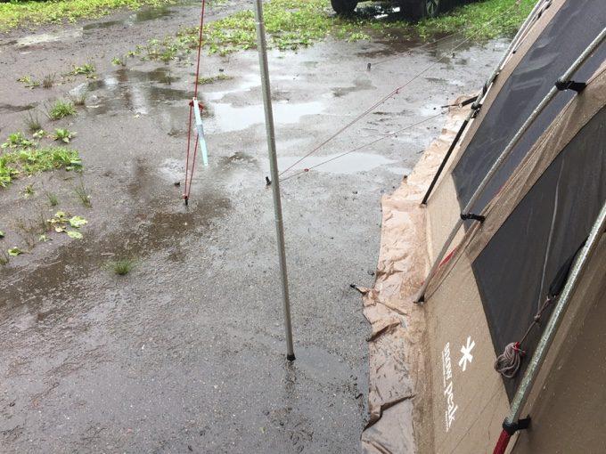 雨キャンプだったソトデナニスル2017@カンパーニャ嬬恋