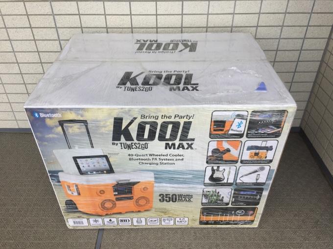 宅配便で届いたKOOLMAXはかなり大きい
