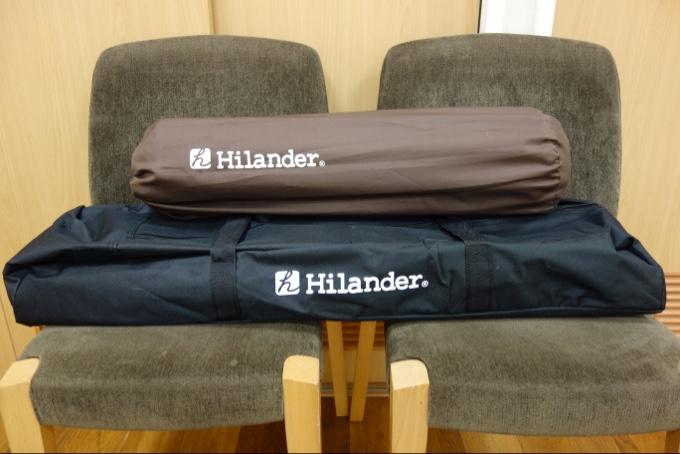 ハイランダーのロールトップテーブルとインフレーターマット