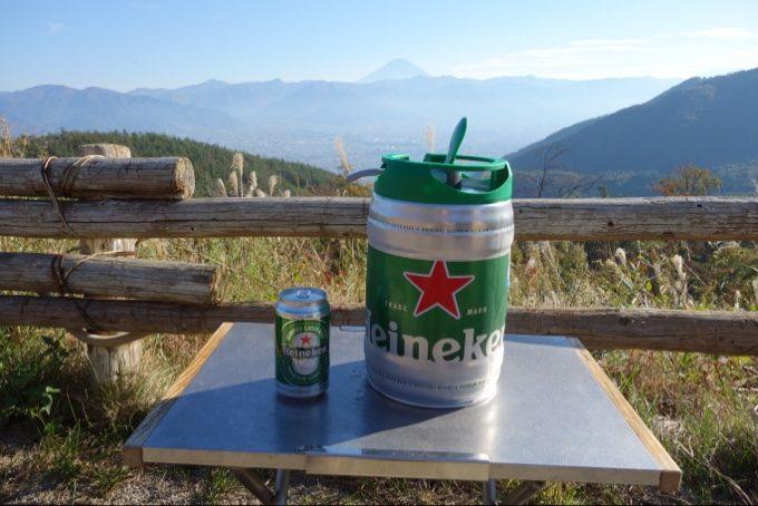 ハイネケンの缶ビールとドラフトケグ