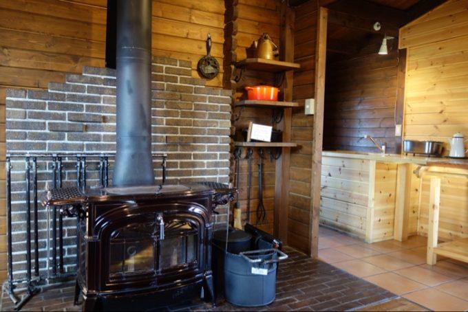 ノースランドコテージの薪ストーブと調理器具