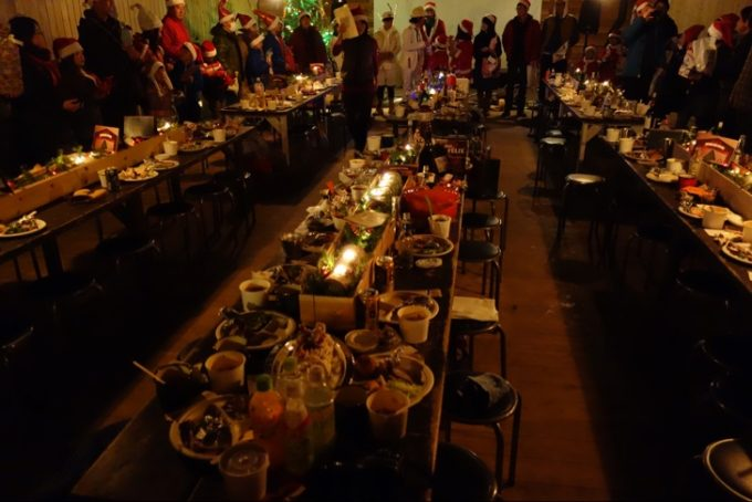 SGクリスマスの100人でプレゼント交換