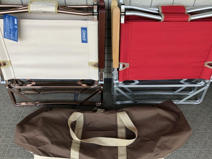 コールマンのコンパクトフォールディングチェアとトートバッグ