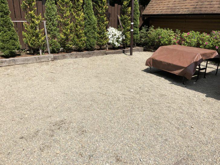 カントリーキャビン語らいの地面は砂利敷き