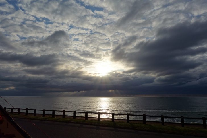 紫雲寺記念公園に沈む夕日