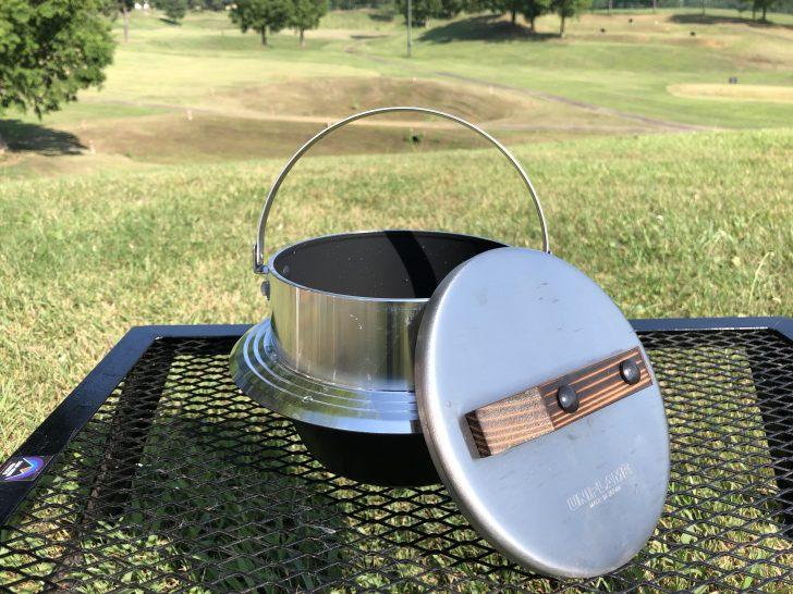 キャンプ羽釜フッ素加工バージョンは内側が黒い