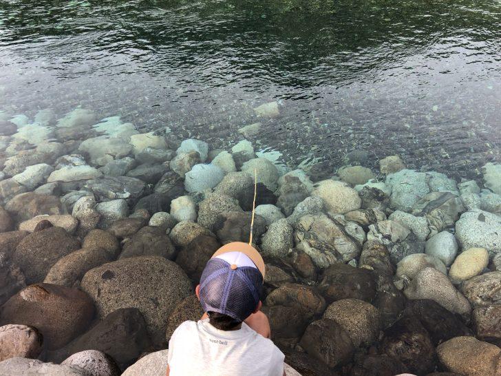 管理棟でセットを買い銚子川でハゼを釣る