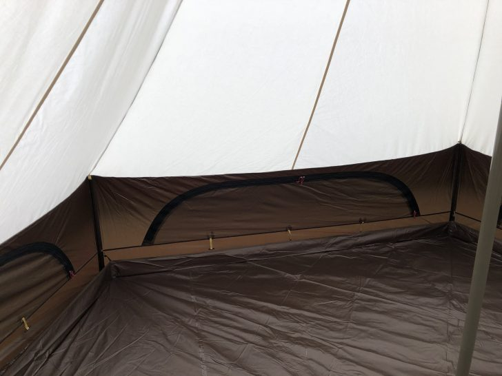 グロッケは2種類の生地を組み合わせたテント