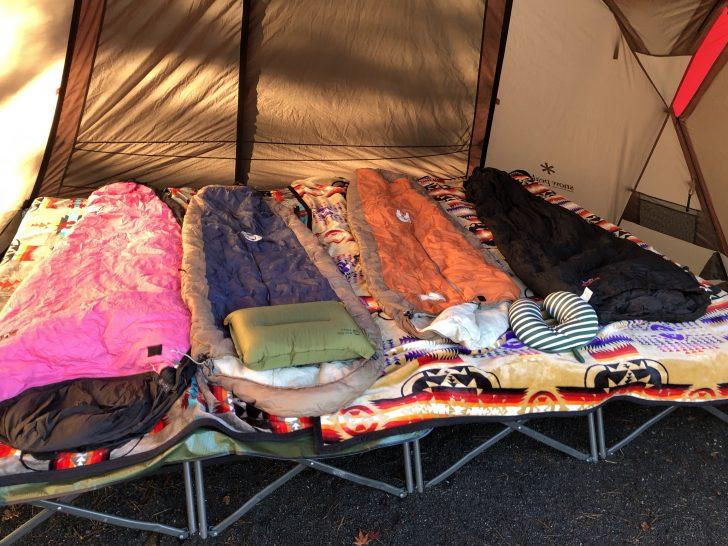 秋キャンプのコット寝レイヤリング