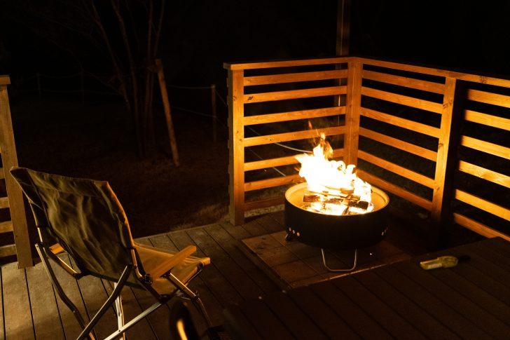 インターバルタイマー撮影が終わるまで焚き火中