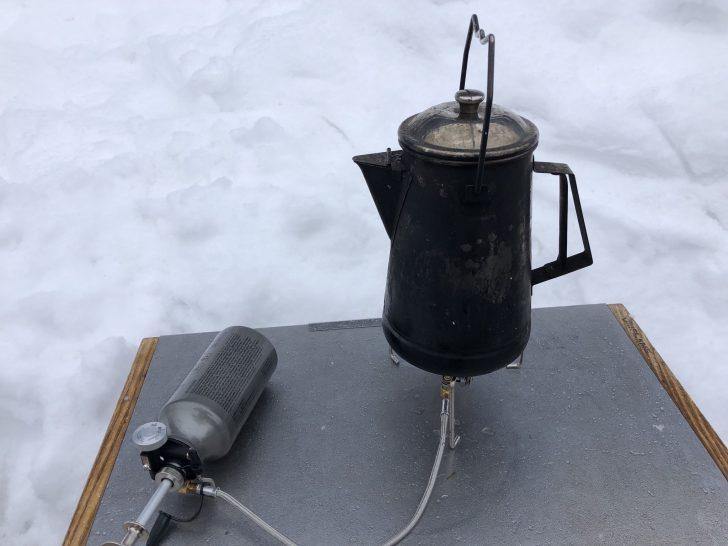 湯沢中里スノーリゾートでMUKAストーブでお湯を沸かす