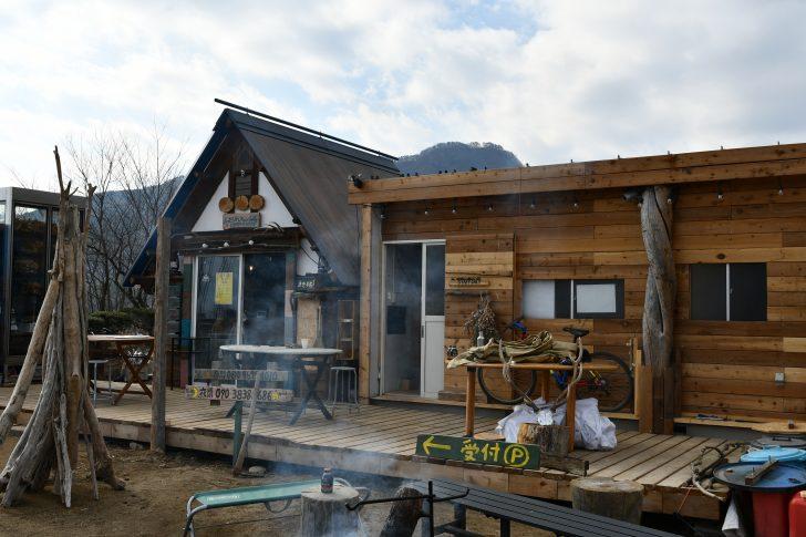 ほったらかしキャンプ場の新管理棟