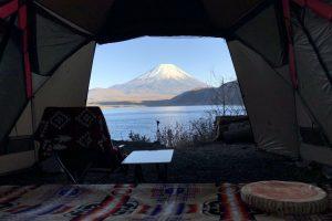 リビングシェルから眺める富士山と本栖湖