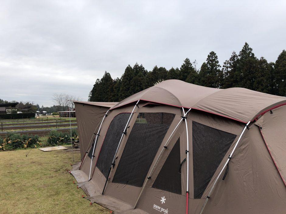 雨キャンプでトルテュProを設営
