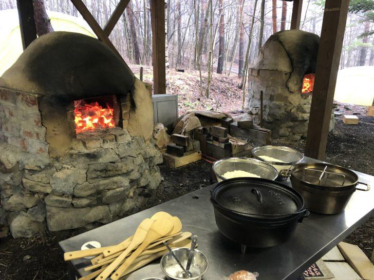 石窯を備えた無印良品カンパーニャ嬬恋キャンプ場
