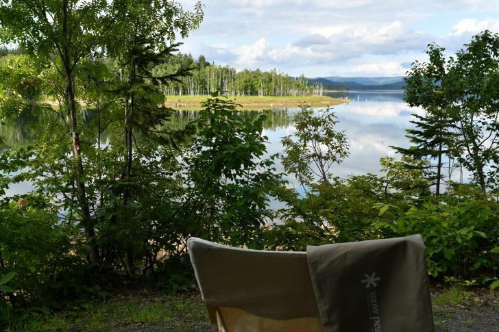 朱鞠内湖でTakeチェアロングとコットハイテンションの収納袋