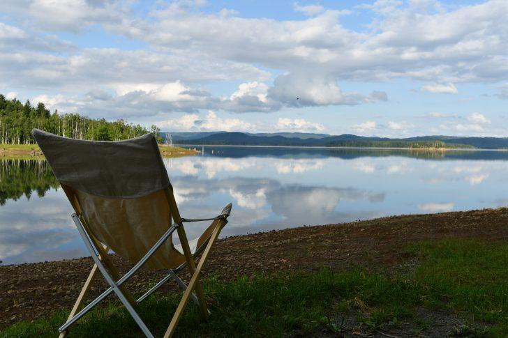 朱鞠内湖畔キャンプ場で一休み