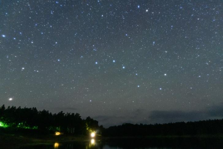 朱鞠内湖畔第2キャンプ場から見る北斗七星