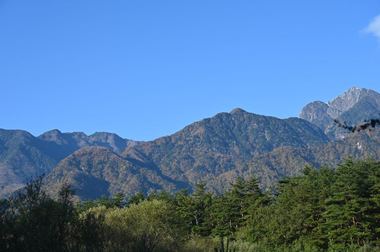 南アルプス三景園から眺める遠くの山々