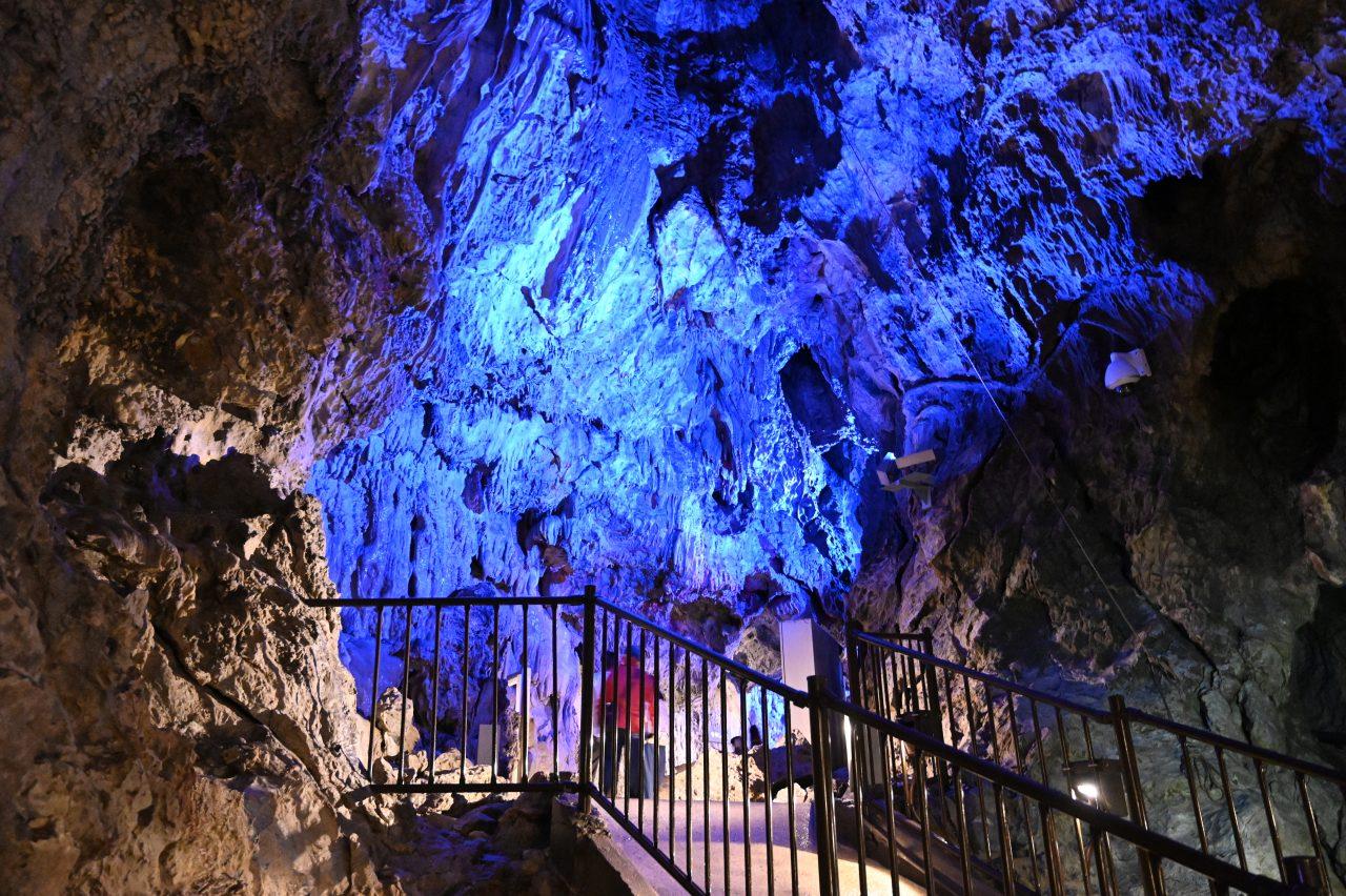 日本三大鍾乳洞の1つ「龍泉洞」