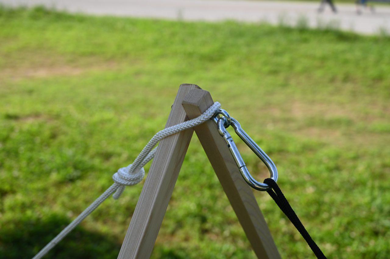 ハンモックスタンドのロープの位置が微妙に合っているか謎