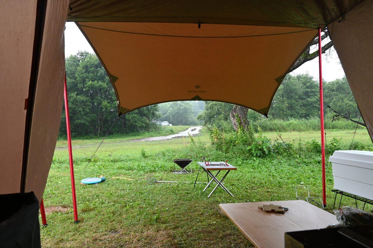 土砂降りキャンプはテントに籠もってまったり過ごす