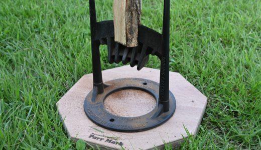 キンドリングクラッカーと薪割り土台で安全・迅速・簡単にパッカーン
