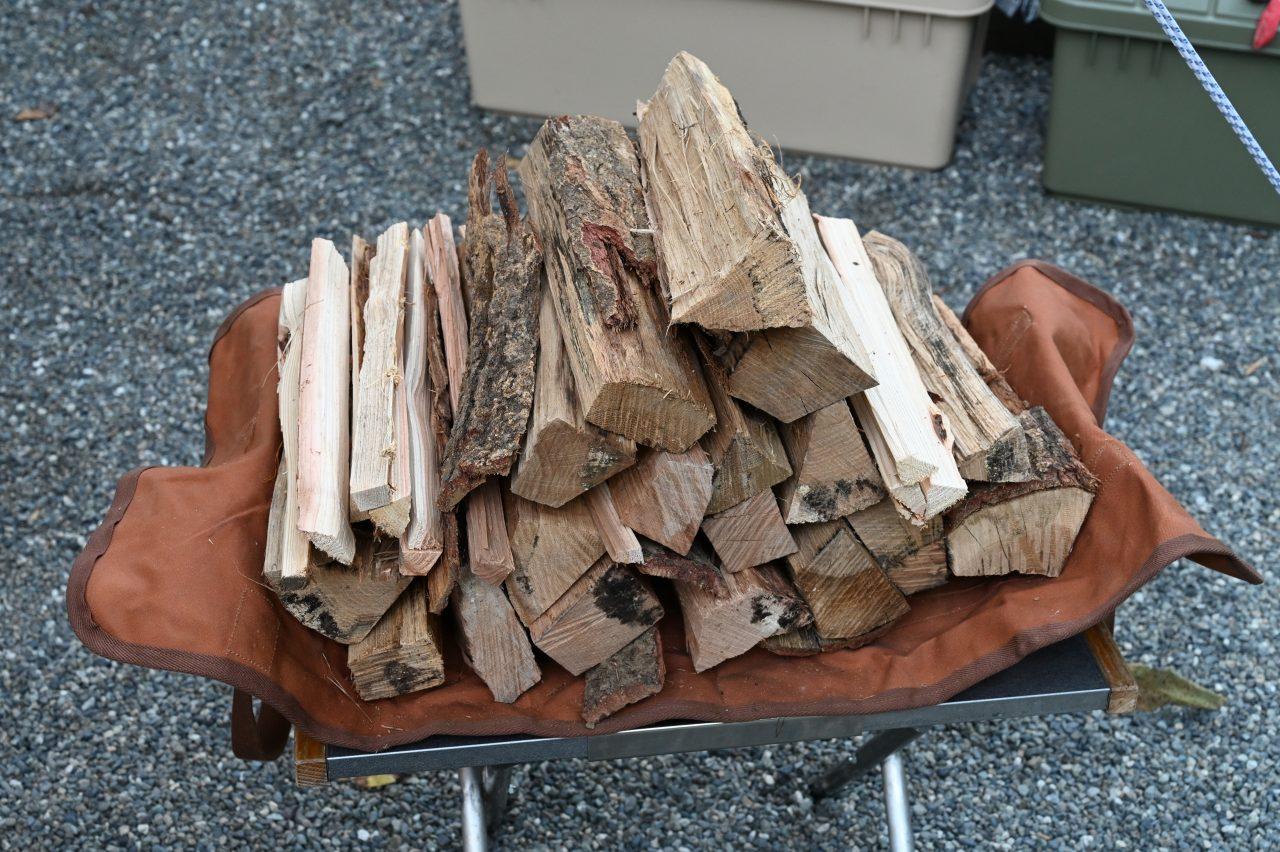 キンドリングクラッカーで焚き火用の薪を大量生産できる