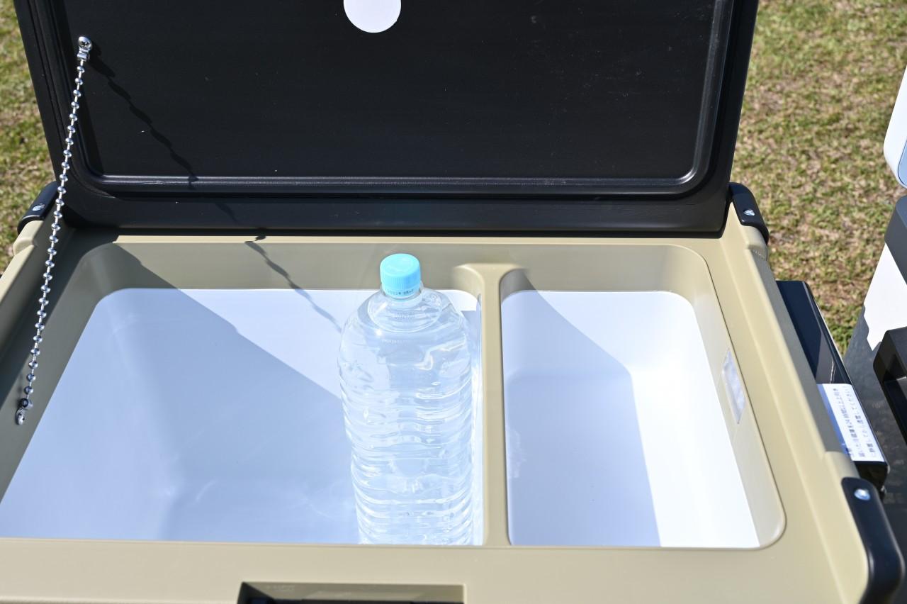 EENOUR S32は2Lペットボトルが縦に入らないのが残念