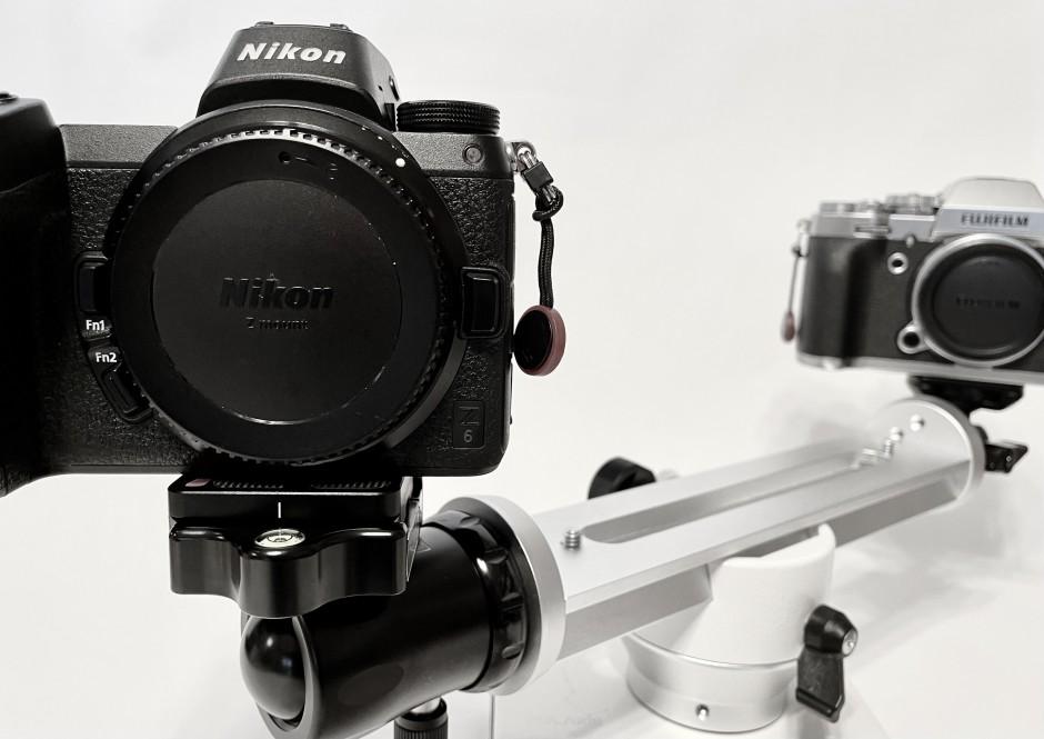 星空撮影時に使用しているポタ赤とカメラ