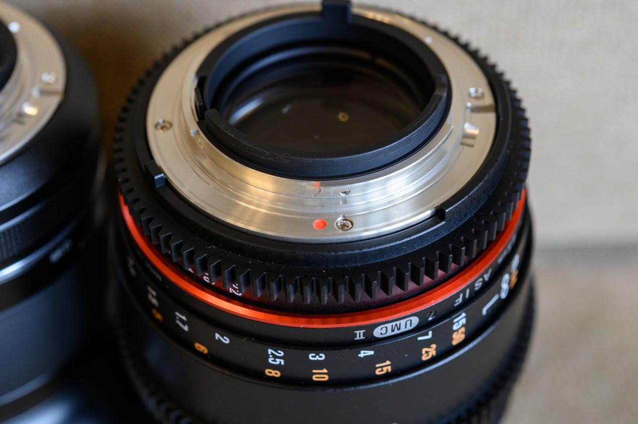 シネマ用レンズ「SAMYANG 85mm T1.5」は電子接点なし