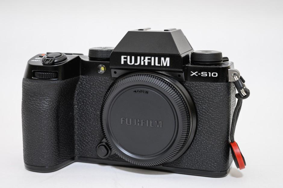 FUJIFILM X-S10はボディ内手ぶれ補正付き