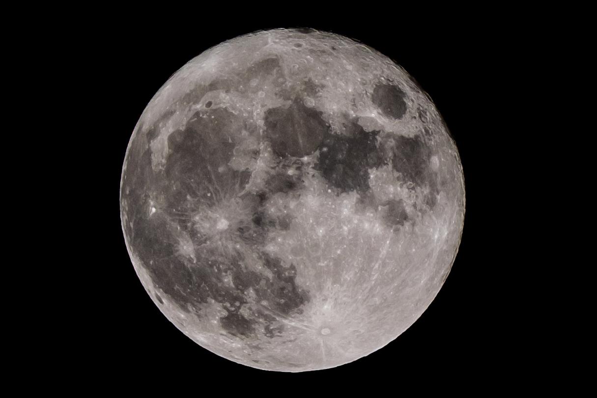 2021年の中秋の名月を望遠レンズで撮ってみた